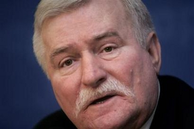 Lech Walesa to Get Heart Transplant
