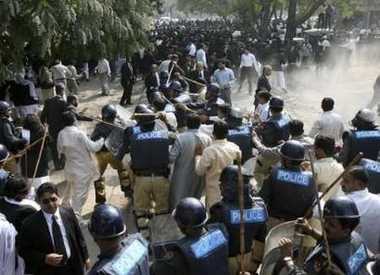 Pakistani Lawyers Revolt Against Martial Law