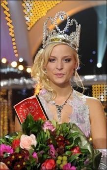 Miss Belgium Doesn't Speak Dutch