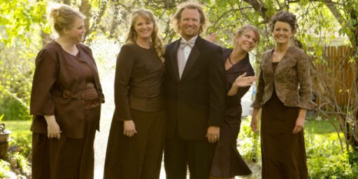 "Star Of ""Sister Wives"" To Challenge Constitutionality Of Utah's Anti-Polygamy Law"