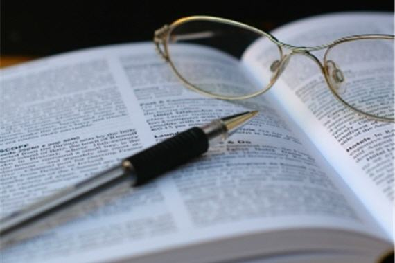 academic-book-glasses