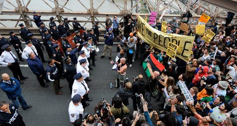 Wall Street Protesters Close Brooklyn Bridge