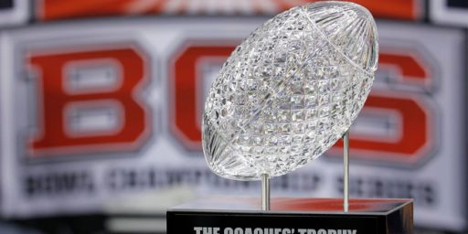 Four Game College Football Playoff Approved, Will Start With 2014 Season