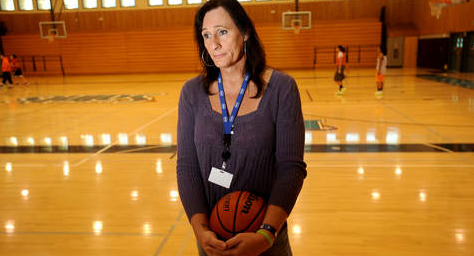 Transgender Woman Plays College Basketball to Little Controversy