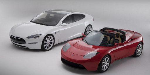 Tesla Model S Makes Electric Car Interesting