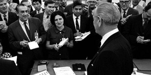 Veteran White House Reporter Helen Thomas Dead At 92