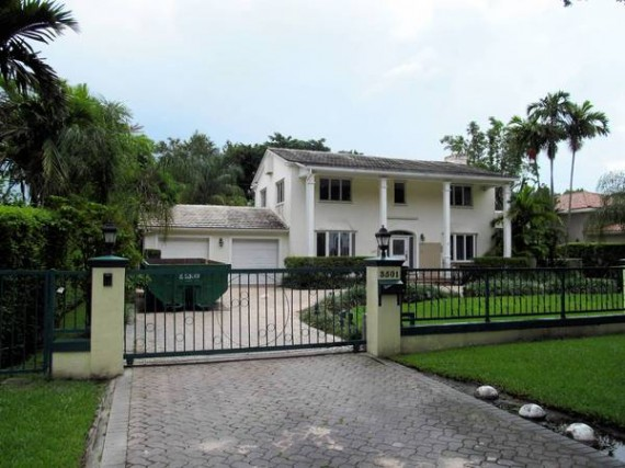 Villas and mansions for military brass