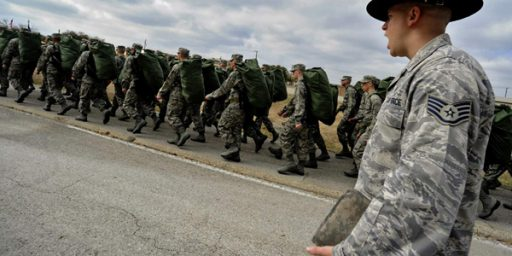 Air Force Now Accepting Single Parents, Pregnant Women