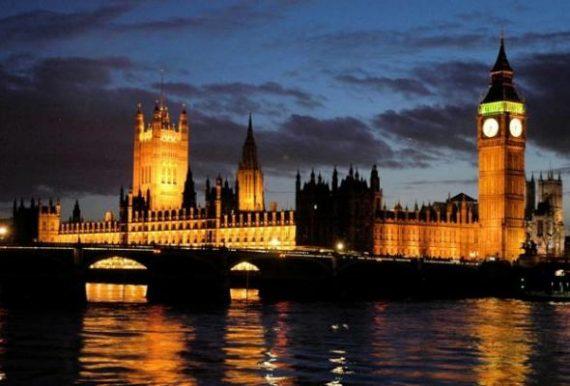 parliament-night-r_1590366i