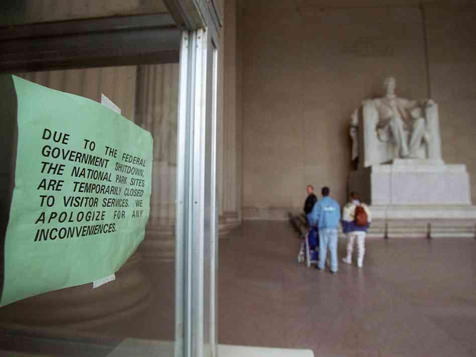 government-shutdown-lincoln-memorial