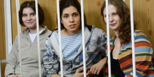 Russia Releases Two Members Of Pussy Riot