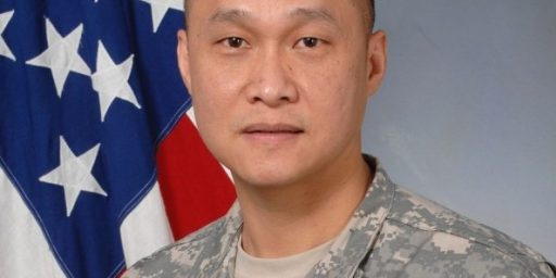 Viet Xuan Luong Becomes First Vietnamese-American General