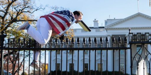 Another White House Fence Jumper, This Time Caught On Camera