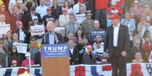Jeff Sessions Endorses Donald Trump, While Other Republicans Begin To Panic