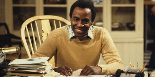 "Robert Guillaume, Star Of ""Benson,"" Dies At 89"