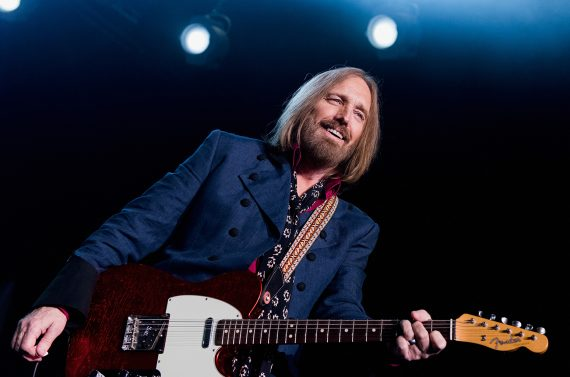 INGLEWOOD, CA - OCTOBER 10:  Tom Petty of Tom Petty And The Heartbreakers performs onstage at The Forum on October 10, 2014 in Inglewood, California.  (Photo by Paul R. Giunta/Getty Images)