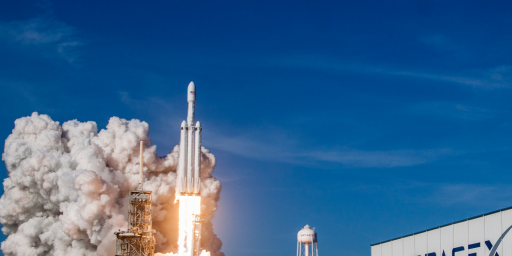 SpaceX Launches Falcon Heavy, Another Advance In The Space Race