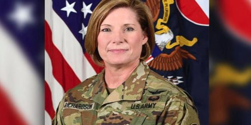 Laura J. Richardson First Woman to Lead Army's Largest Command