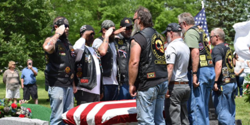 Thousands Show Up To Mourn A Departed Veteran