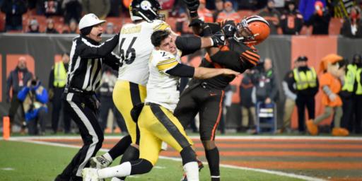 Browns Defensive End Unleashes Brutal Attack On Pittsburgh Quarterback