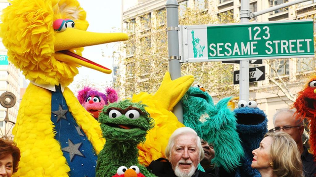 Carroll Spinney The Man Behind Big Bird Dies At 85