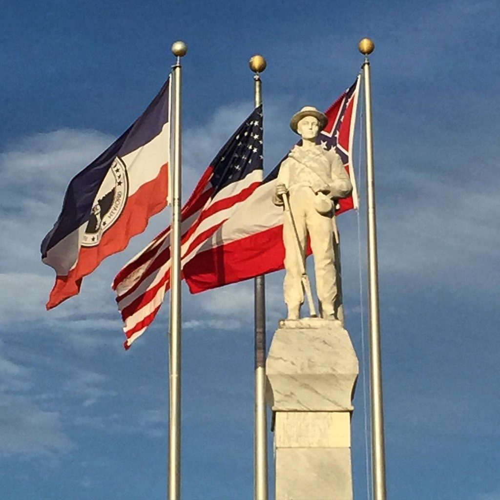 Mississippi lawmakers vote to remove Confederate emblem from state flag